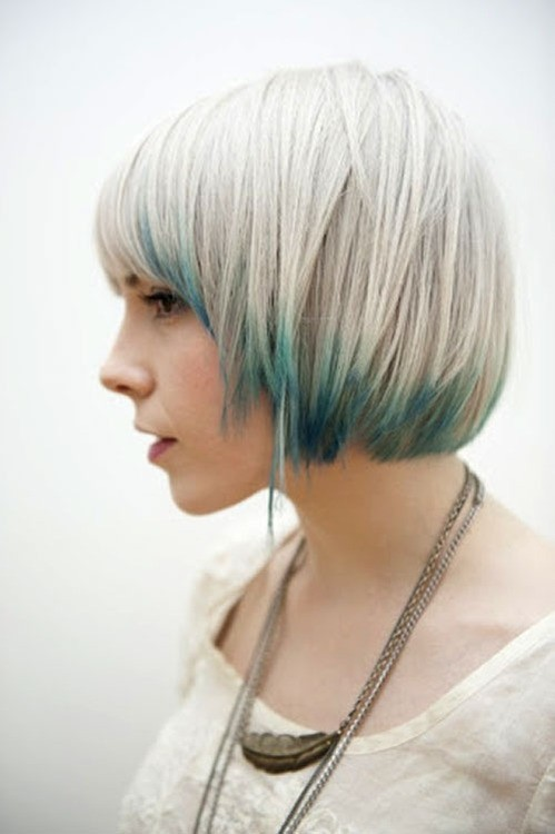 Layered bob haircut with highlights