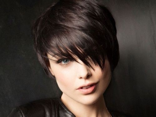 Short hairstyle with side bangs for thick hair