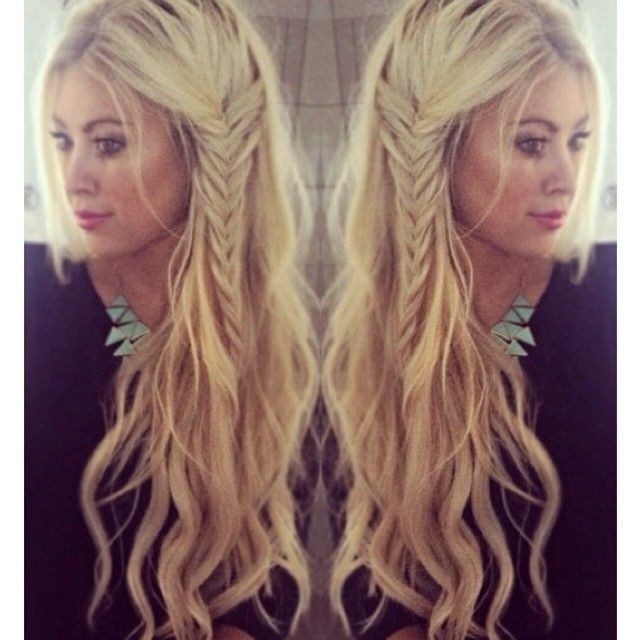 Long wavy hair with side braiding
