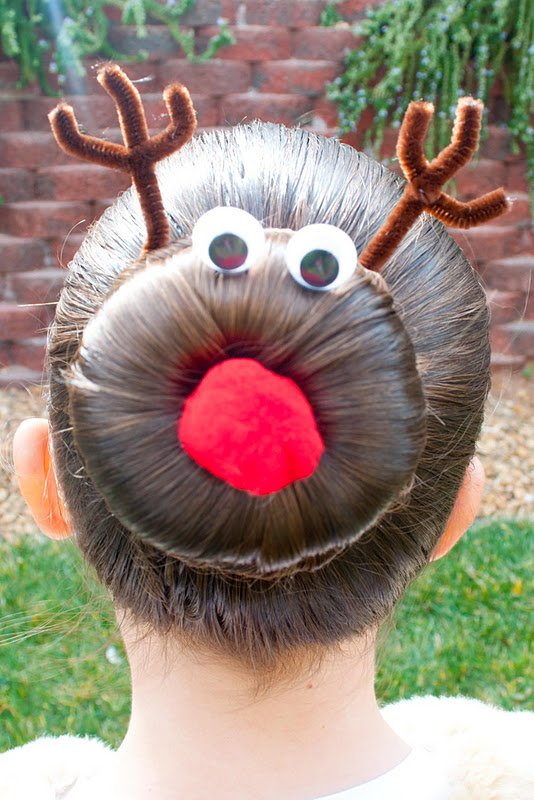 Interesting Christmas hairstyle