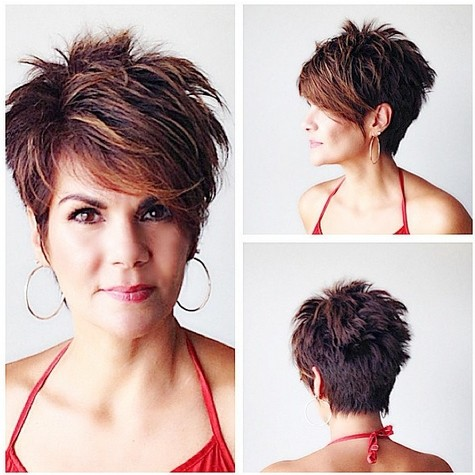 Chic short haircut for long faces