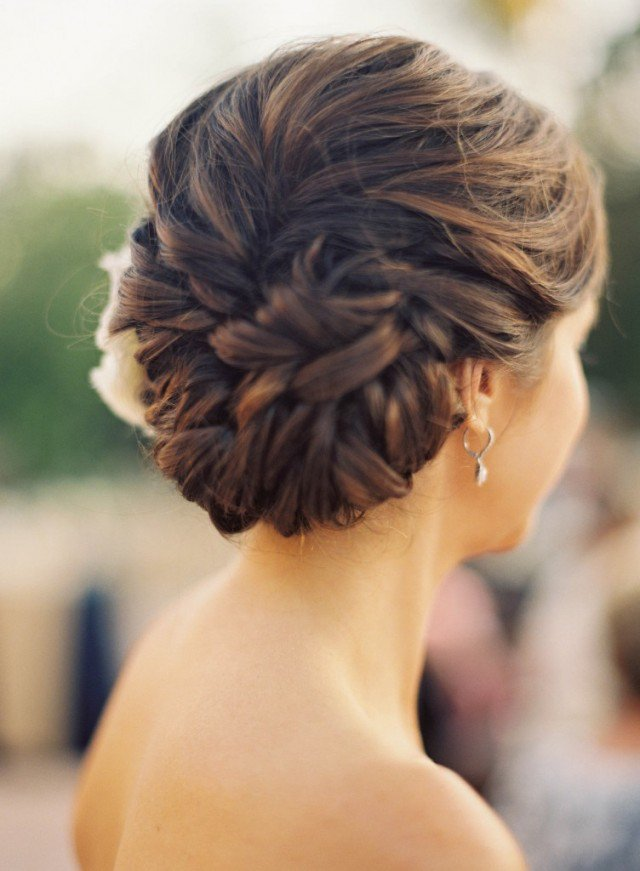 Pretty braided hairstyle for the wedding