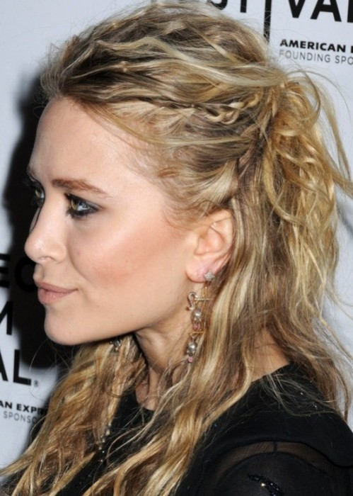 Mary-Kate Olsen hairstyle half up half down