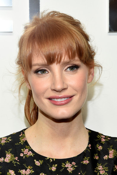 Jessica Chastain Simple ponytail