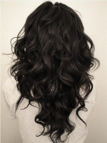 V-cut black curly hairstyle