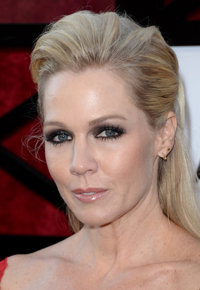 Jennie Garth teased her hair