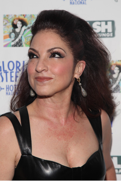 Gloria Estefan teased her hair