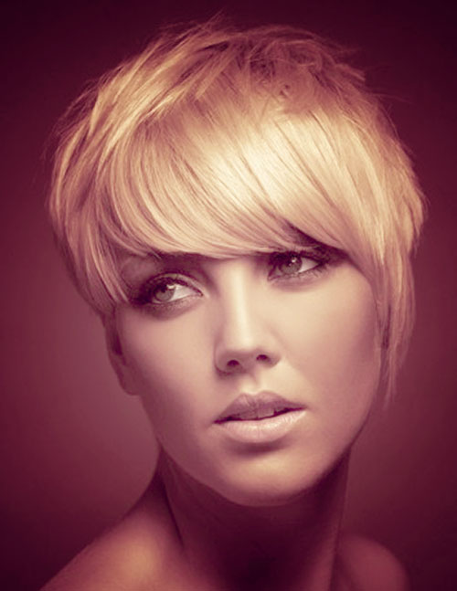 Adorable short hairstyle with bangs