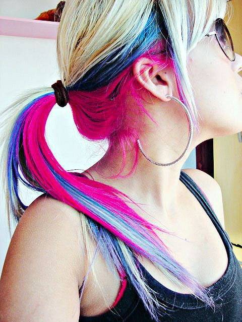 Simple colored ponytail hairstyle