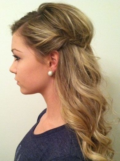 Simple half up hairstyle for medium hair