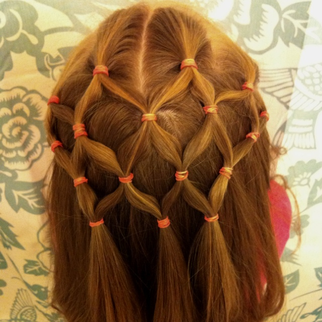 Net hairstyle for little girls
