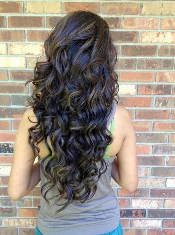 Fabulous wavy hairstyle for long hair