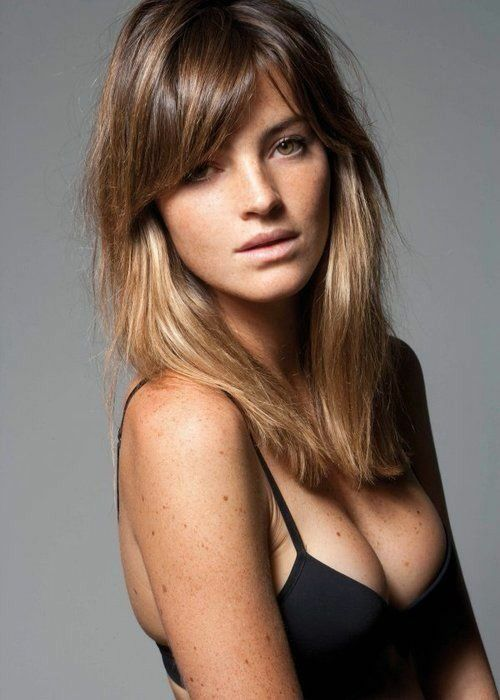 Long layered hairstyle with bangs for ombre hair