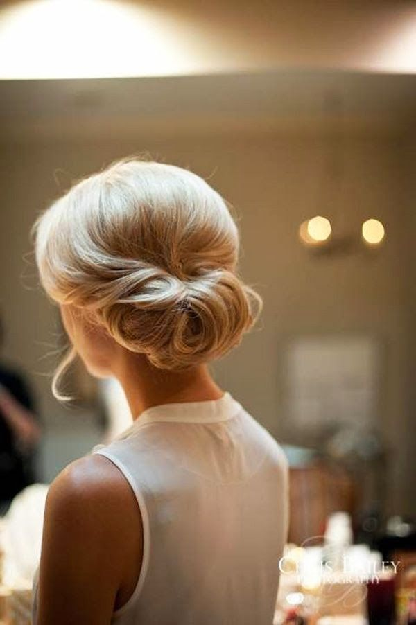 Fabulous French Twist updo for wedding hairstyles