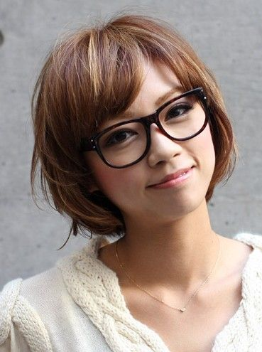 Short hairstyle with bangs for Asian girls