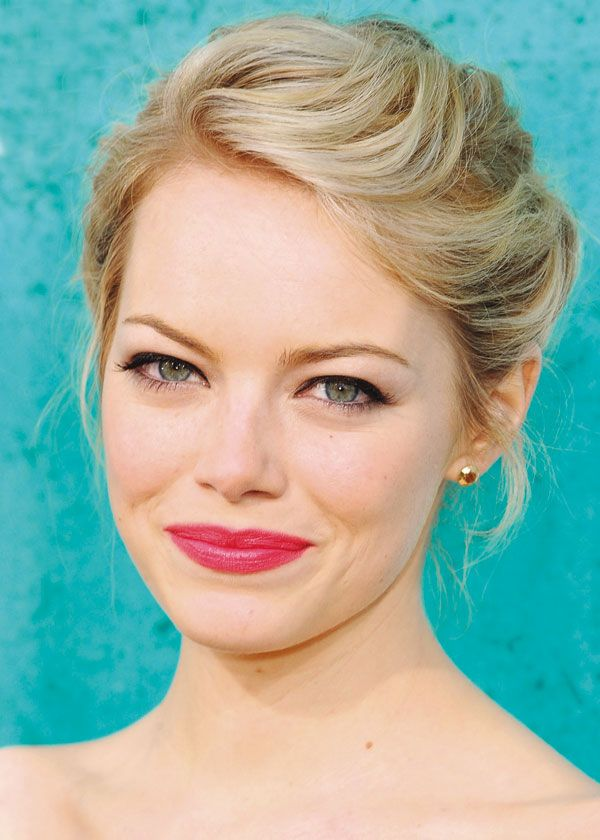 Sweet updo - Emma Stone hairstyles