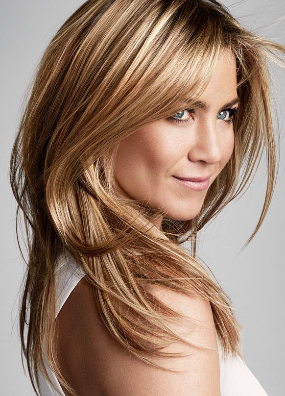Long straight blonde hair - Jennifer Aniston hairstyles