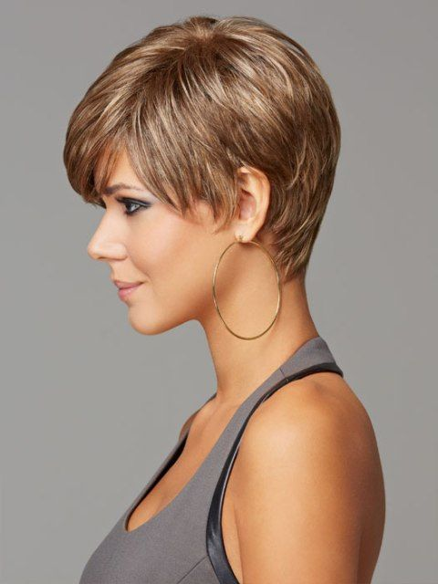 Classy short hairstyle for thick hair