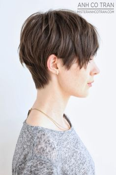 Short, shaggy hairstyle for straight hair 156781630752513839