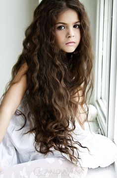Long curly hairstyle for school girls