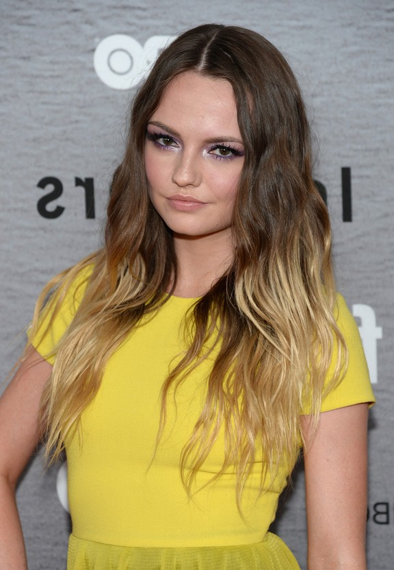 Emily Meade Brown to Blonde Ombre Hairstyle with Beachy Waves for Winter