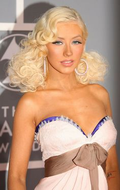 Pin Up Hair - Christina Aguilera Hairstyles