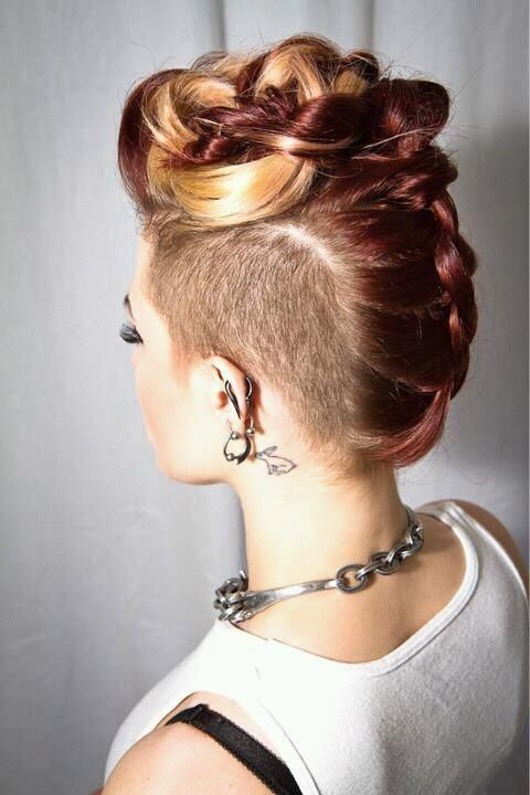 Mohawk hairstyle for blonde hair