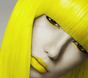 Neon yellow hairstyle