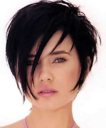 Chic short haircut with long fringes