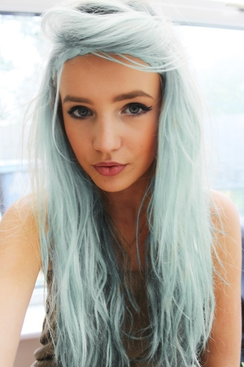 Light blue hairstyle
