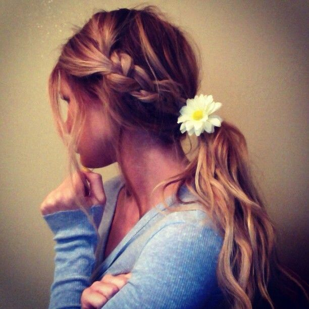 "Braided ponytail with a flower ""width ="" 458 ""srcset ="" https://lilostyle.com/wp-content/uploads/2020/02/1582841591_868_How-to-Use-Flowers-to-Spice-up-Your-Hairstyles.jpg 612w, http: / /www.lilostyle.com/wp-content/uploads/2014/08/Braided-Ponytail-with-a-Flower-200x200.jpg 200w, https://www.lilostyle.com/wp-content/uploads/2014/ 08 / Braided ponytail with a flower 120x120.jpg 120w ""sizes ="" (maximum width: 612px) 100vw, 612px"