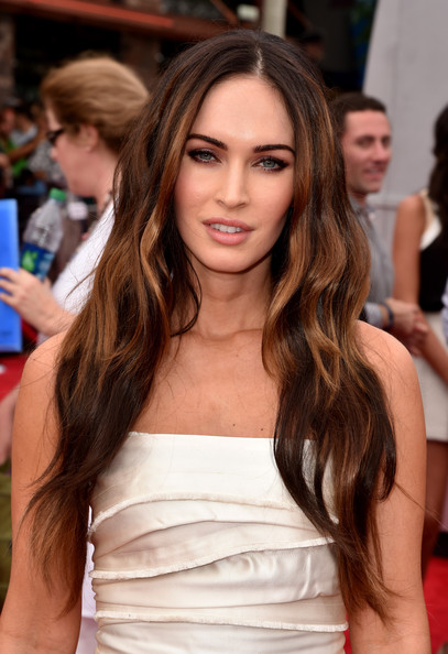 Megan Fox's long curly hairstyle