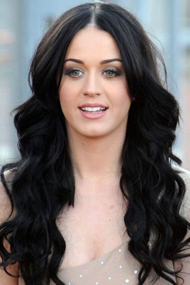 Middle Part Long Wavy Hair - Katy Perry Hairstyles