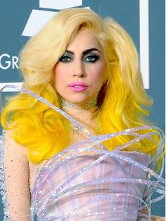 Long Wavy Yellow Hair - Lady Gaga Hairstyles