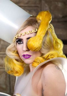 Awesome Long Wavy Yellow Hair - Lady Gaga Hairstyles