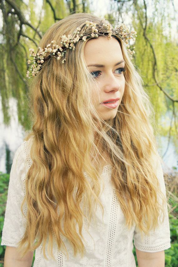 Flower crown for a nice holiday look