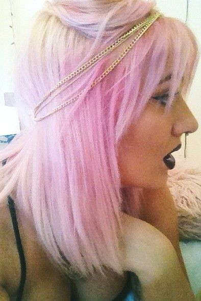 Pastel pink hairstyle for girls
