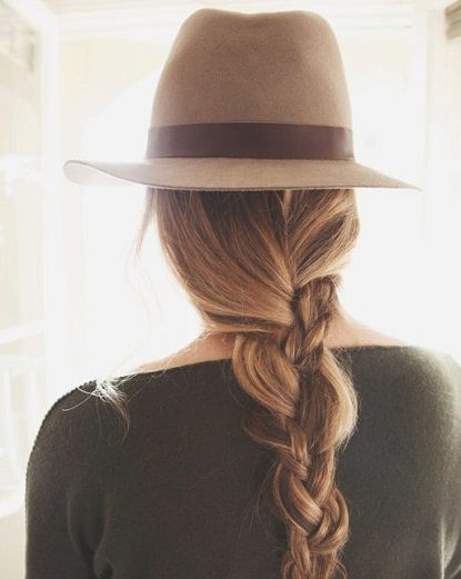 Dull braid with a hat