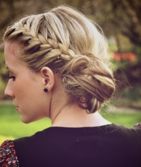 Braided bun on the side