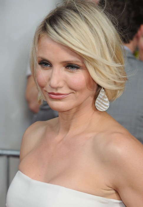 CAMERON DIAZ'S BREATHABLE BLOWOUT
