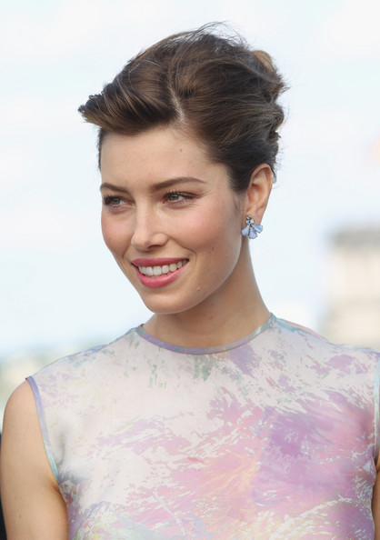 """Jessica Biel French Twist / Getty Images """"width ="""" 458 """"class ="""" size-full wp-image-30673"""