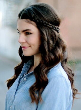 Nice braided hairstyle for curly hair