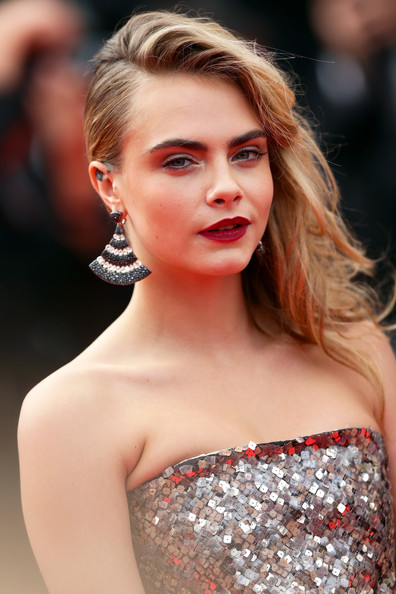 Cara Delevingne Side-swept hairstyle