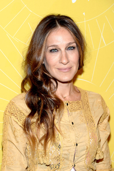 Sarah Jessica Parker Side-swept hairstyle