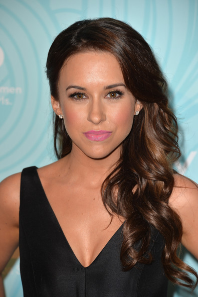 Lacey Chabert side sweep hairstyle