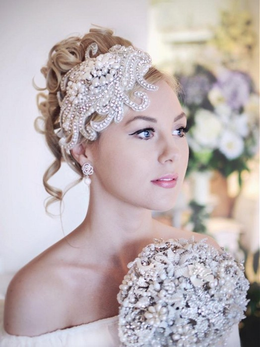 Annette Bradford-long-blonde-curly hairstyles