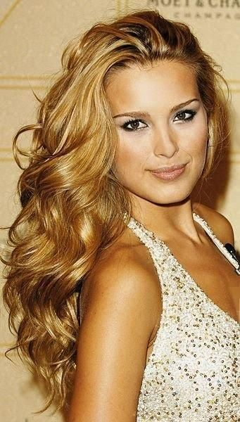 Lush golden curls for thick hair