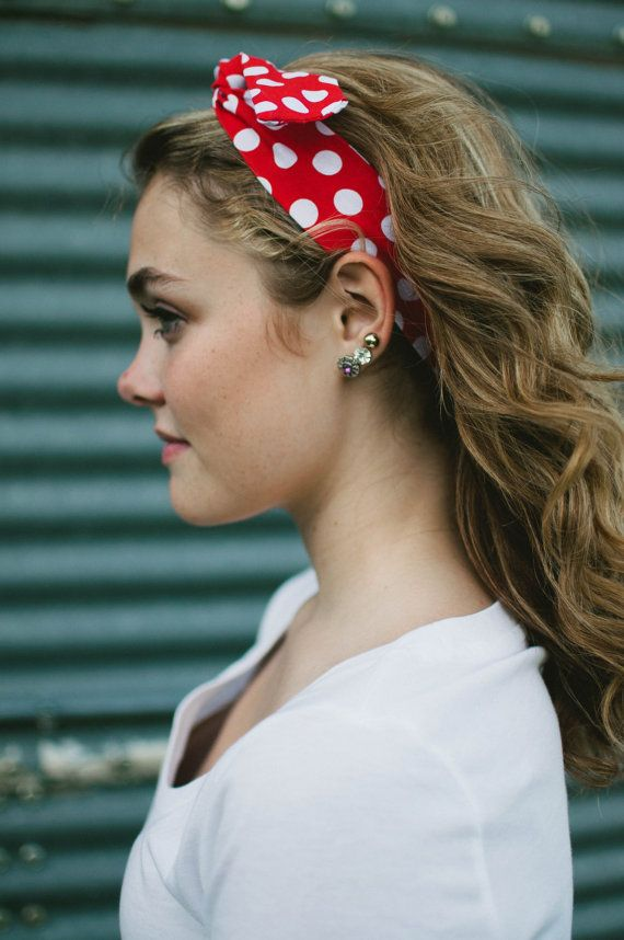 Brunette curly hair with dolly bow headband