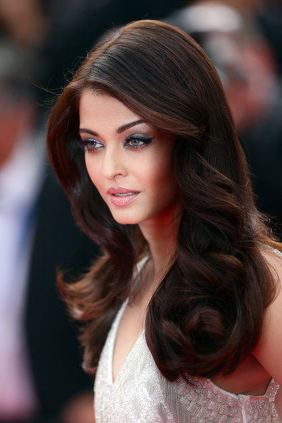 Aishwarya Rai Long Curly Hair