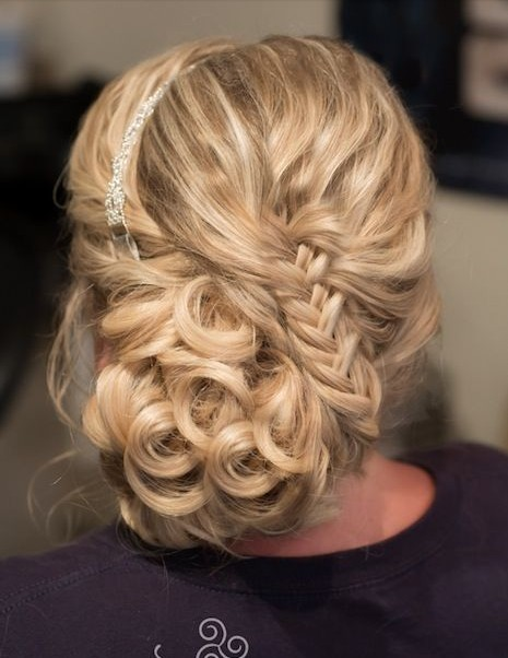 OFF-TO-THE-SIDE UPDO